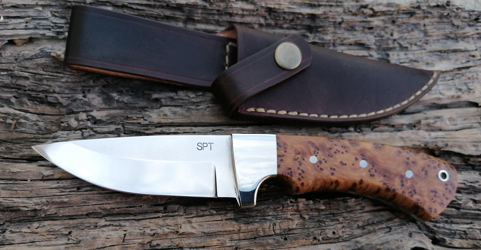 Handgemachtes Jagdmesser Rotwild Thuja